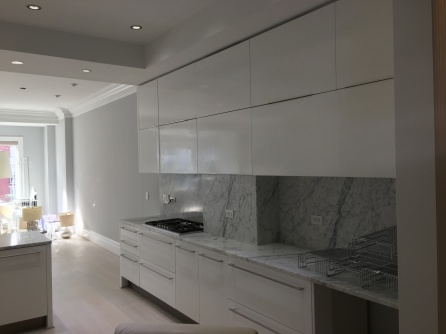 FDC HIGH-GLOSS CABINETS